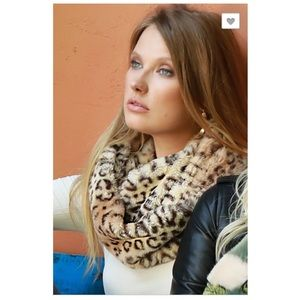 Accessories - Leopard Infinity Scarf NWT